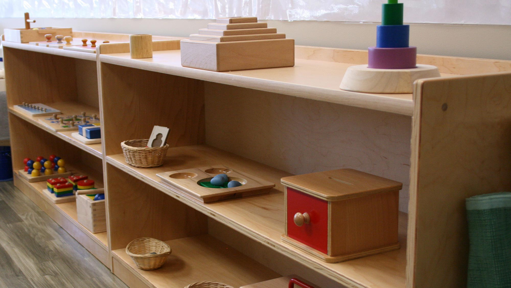 toddler-program-bookshelf
